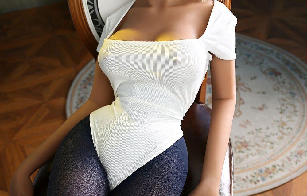 Blonde haare sexpuppe